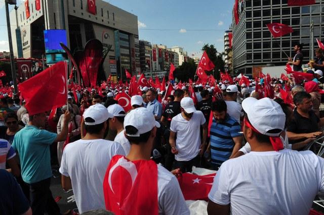 Türkiye Tohumcular Birliği ve Alt Birliğimiz demokrasi nöbeti için meydanlarda…